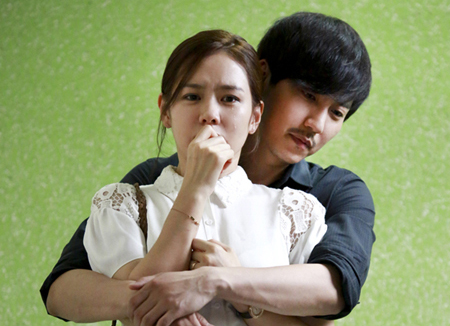 Kim Nam-gil and Son Ye-jin's Tearful Hugging Scene Revealed